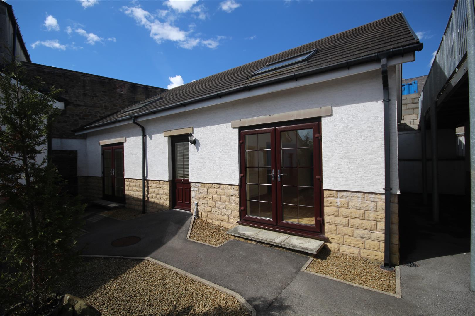 2 bedroom bungalow For Sale in Colne - IMG_3362.jpg